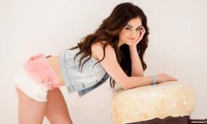 foto-hot-lucy-hale-sexy